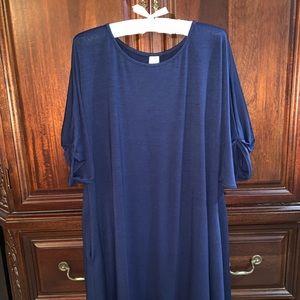 42POPS NAVY SHIFT DRESS SIZE L/XL